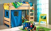 Hochbett mit Leiter und Spielvorhang