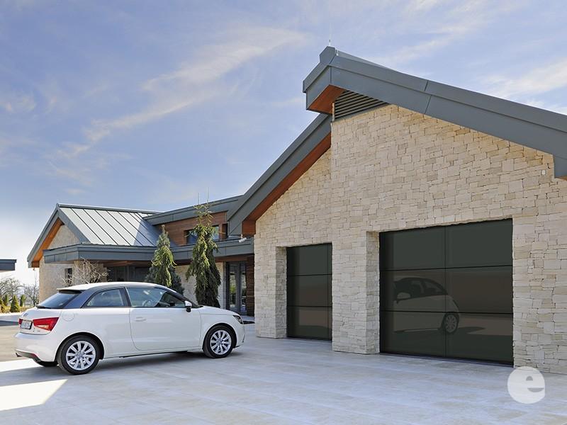 wer baut garagentore ein die eleganten ffnen senkrecht nach oben so gewinnen sie mehr platz in. Black Bedroom Furniture Sets. Home Design Ideas