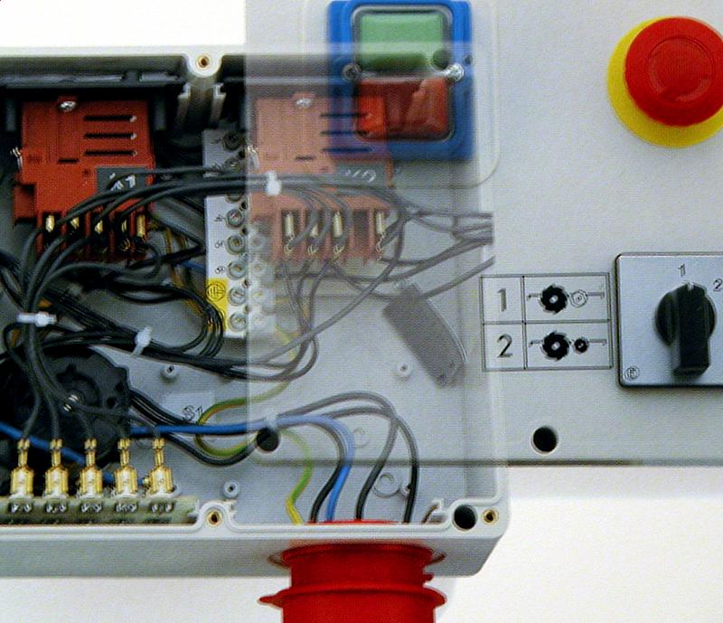 Schalter-Stecker-Kombination Tripus
