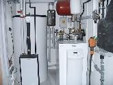 Wasser-Wasser-Wärmepumpe mit Pufferspeicher und Frischwassermodul