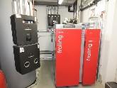 Scheitholz-Pellet-Heizung in Kombination mit einer Solaranlage und Pufferspeicher zur Heizungsunterstützung