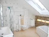 Duschen gibt es in unterschiedlichen Formen und Größen