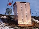 Kaminverkleidung und -verwahrung aus Kuper ist sehr stabil und schützt den Kamin vor Witterungseinflüssen